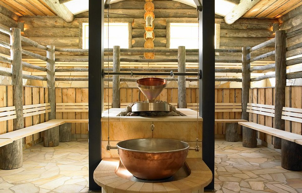 7 different saunas at the Aqua Dome